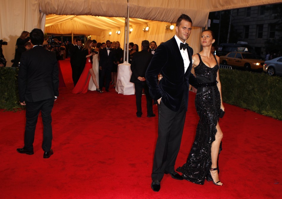 Gisele Bundchen (R) with Tom Brady