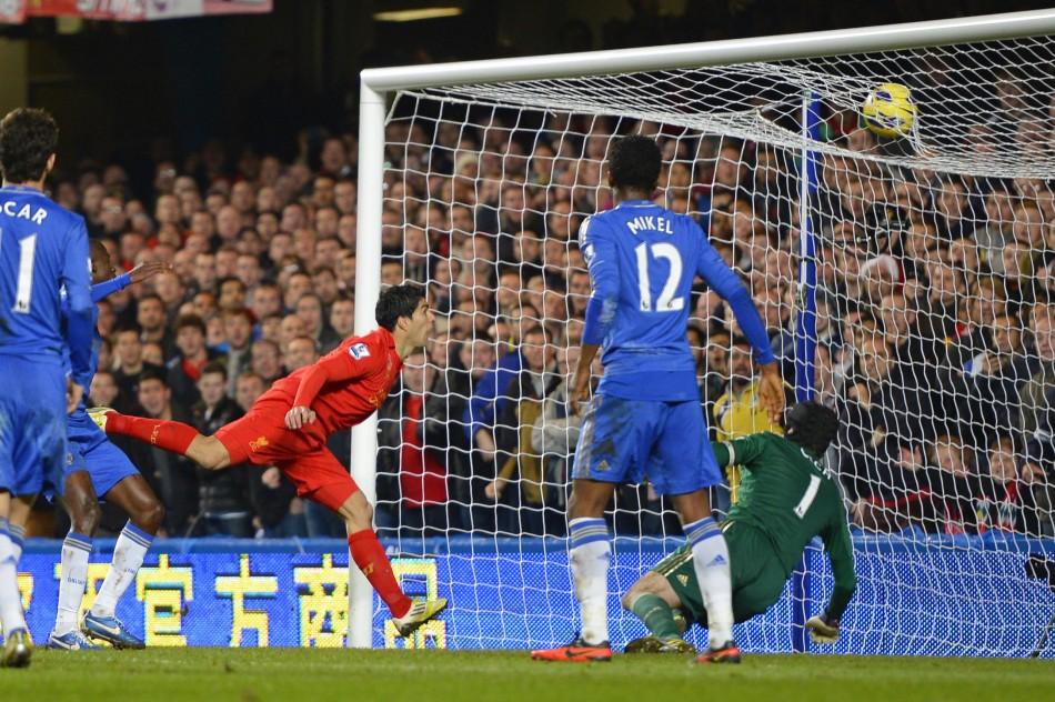 Petr Cech Looks on as Luis Suarez Scores