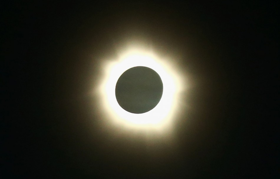 Australia Total Solar Eclipse 2012 Breathtaking Images Of