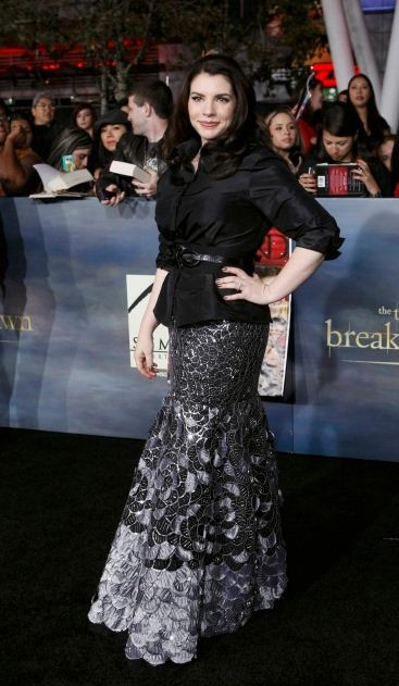 Writer Stephenie Meyer poses at the premiere of The Twilight Saga Breaking Dawn - Part 2 in Los Angeles