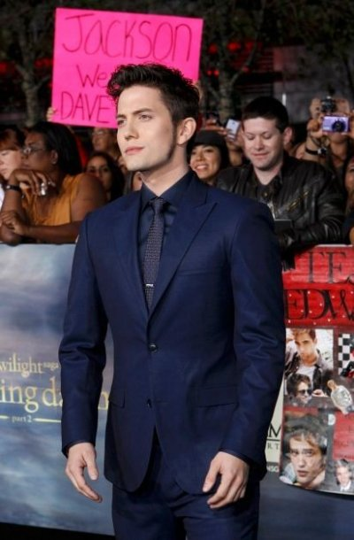 Rathbone poses at the premiere of The Twilight Saga Breaking Dawn - Part 2 in Los Angeles
