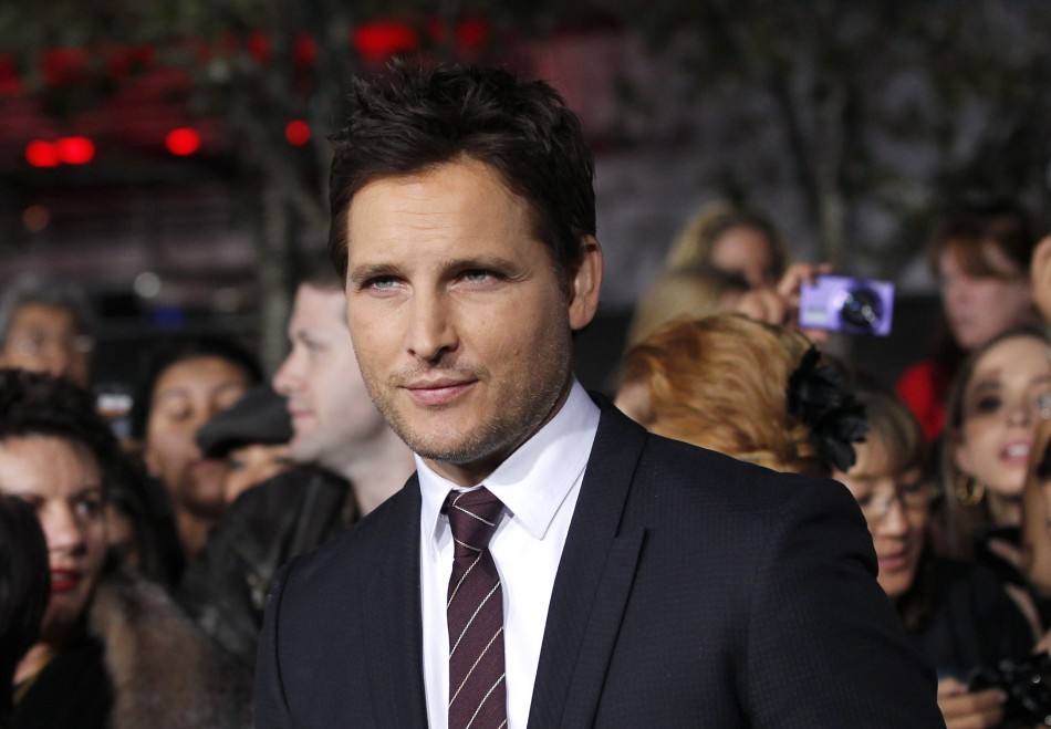 Facinelli poses at the premiere of The Twilight Saga Breaking Dawn - Part 2 in Los Angeles
