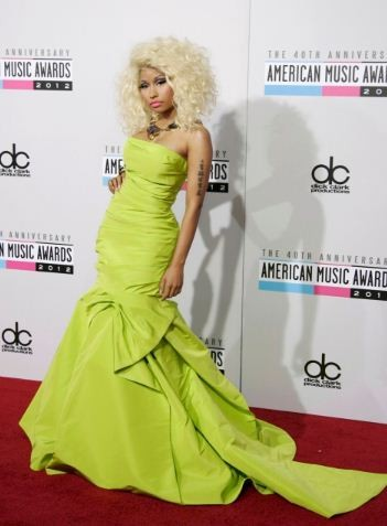 Nicki Minaj arrives at the 40th American Music Awards in Los Angeles