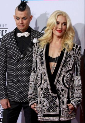 Gwen Stefani, of the pop group No Doubt, arrives at the 40th American Music Awards in Los Angeles