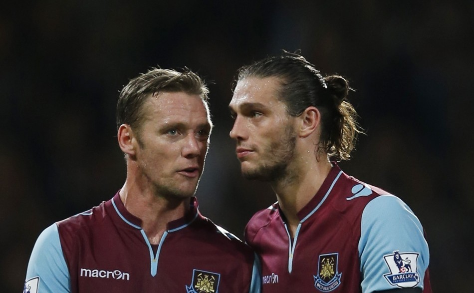 Kevin Nolan and Andy Carroll (R)