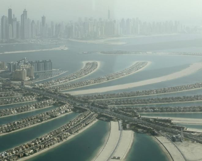 Dubai to build world s biggest mall and 100 hotels in new for World biggest hotel in dubai