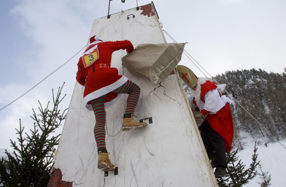 Santa Clauses race for the prize