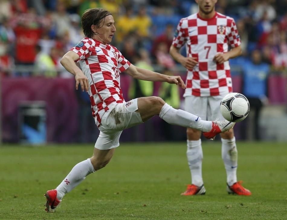 Luka Modric (L)