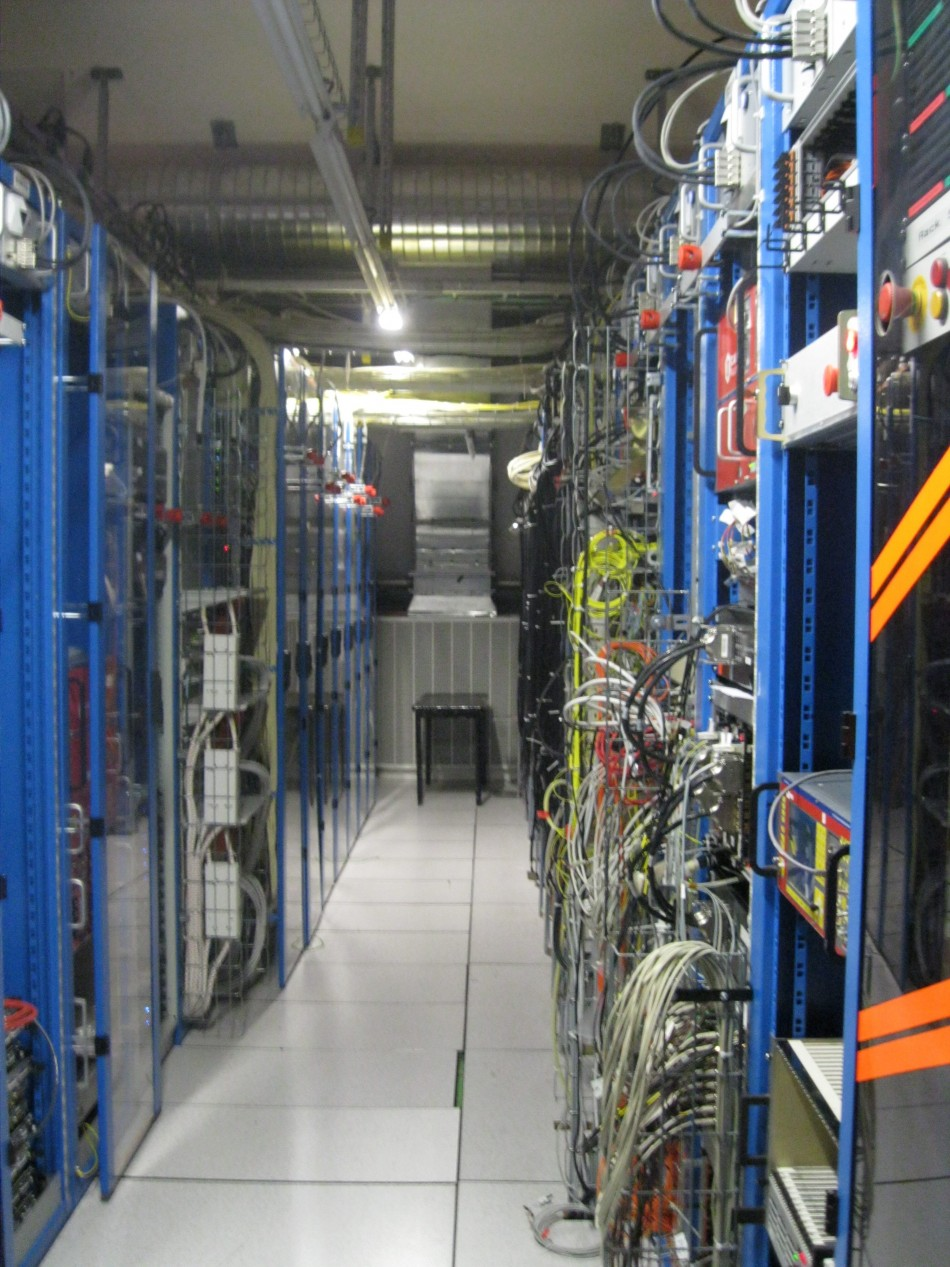 LHC Super Computing Grid
