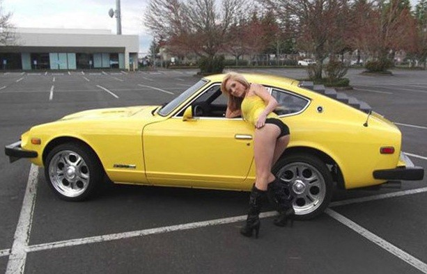 Us Car Dealer Kim Ridley Uses Sexy Snaps Of Own Daughter