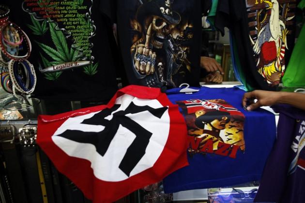 Vendor shows shock T-shirt