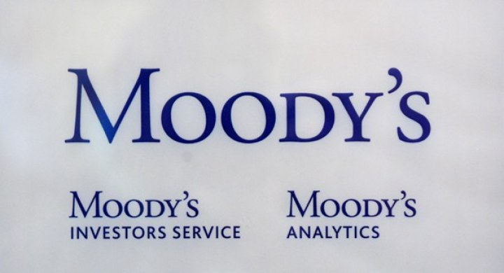 Moody's predicts negative  outlook for Indian banking system