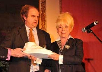 Alexander Waugh, who hosts the award, and Barbara Windsor, who presented the award last year.