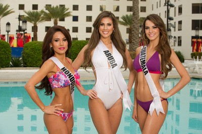 Miss Universe 2012 Contestants Dazzle in Swimsuit