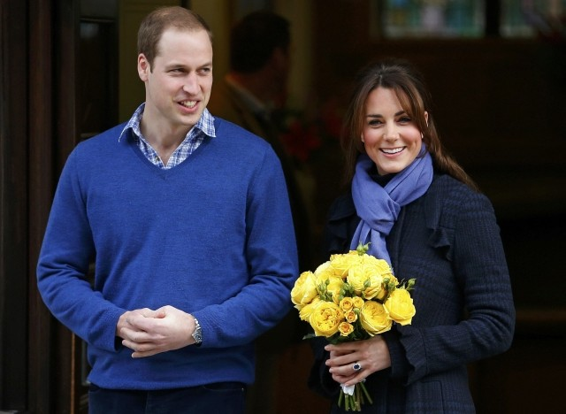 Prince William leaves the King Edward VII hospital with his wife Catherine, Duchess of Cambridge, London December 6, 2012. The nurse who took a prank call revealing details of Kate's pregnancy was found dead a day after Kate left the hospital. (Photo: REUTERS/Andrew Winning)