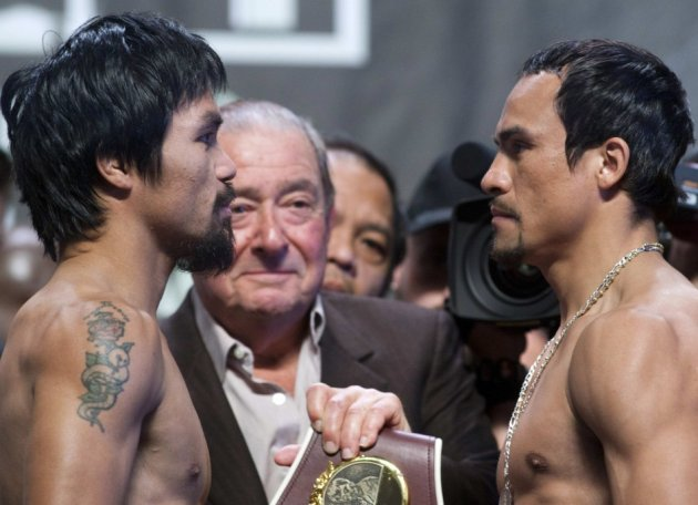 Manny Pacquiao and Juan Marquez (R)