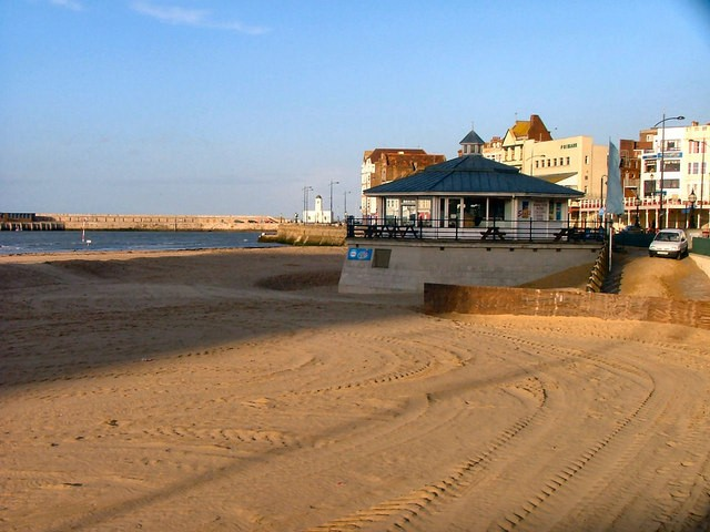 View of Margate beach toward harbour