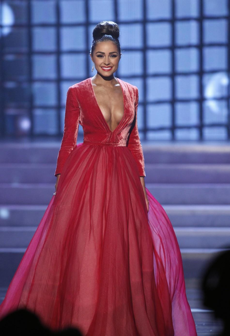 Miss usa universe 2018 dress color