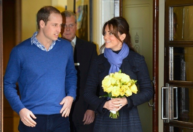 Pregnant Kate Middleton escorted from hospital by William