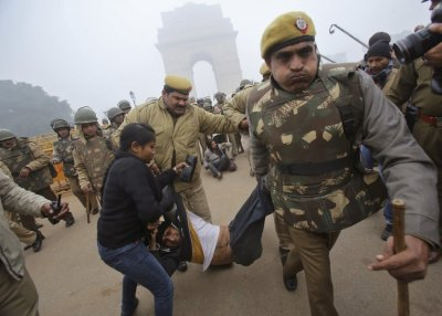 New Delhi gang rape protest pictures