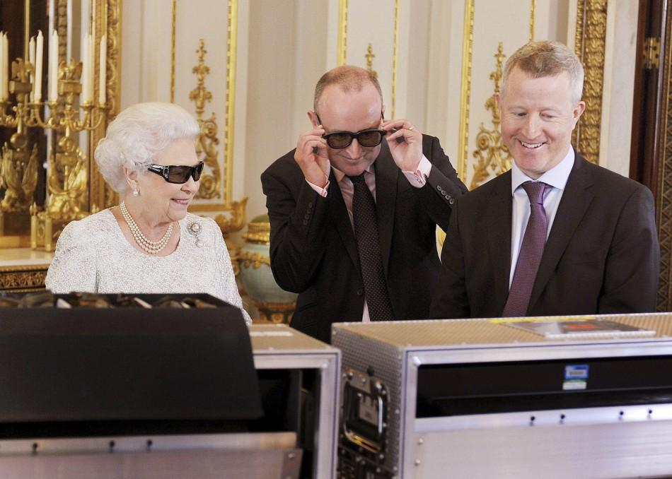 Queen's Christmas address in 3D