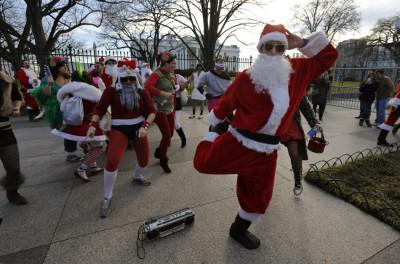 Break-dancing Santa and his twinkle-toed elves