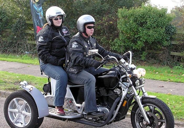 Straddling motorbike