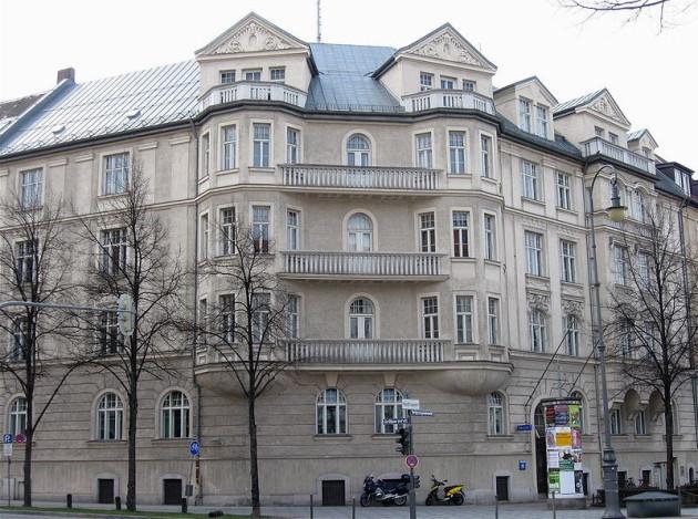 Hitler's Prinzregentenplatz 16