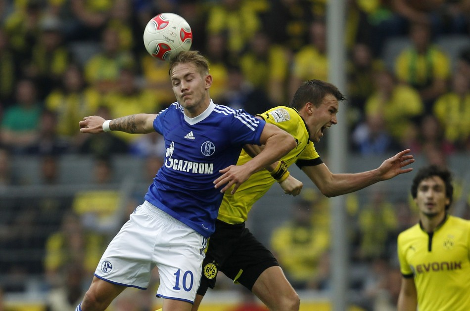 Lewis Holtby (L)