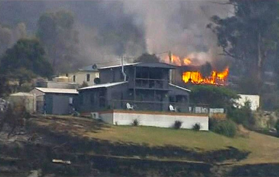 Authorities from the local NSW police as well as the rural fire service have alerted residents that the fire currently raging in the Kybeyan Valley, west of Tuross River Road may move towards the Dangelong, Numeralla and Countegany areas throughout Wednes