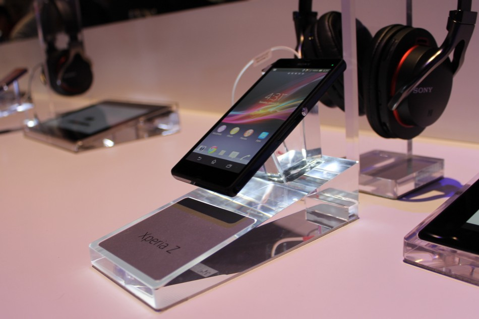 CES 2013: Sony Officially Unveils Xperia Z and Xperia ZL One-Touch Smartphones