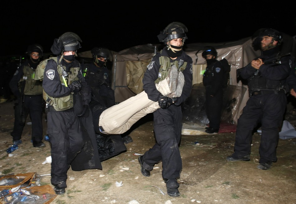 Israeli forces evict Palestine tents