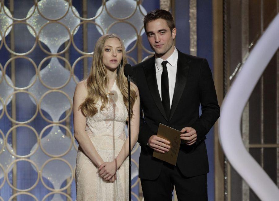 Amanda Seyfried and Robert Pattinson (R)