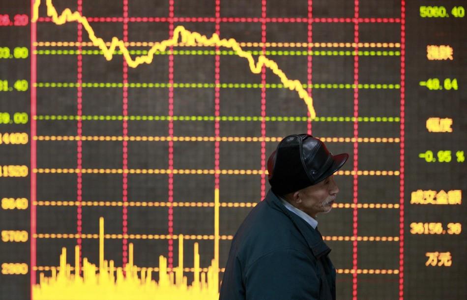 Asian stocks retreat on global economic woes