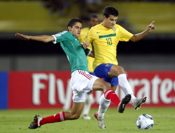 Philippe Coutinho (R)