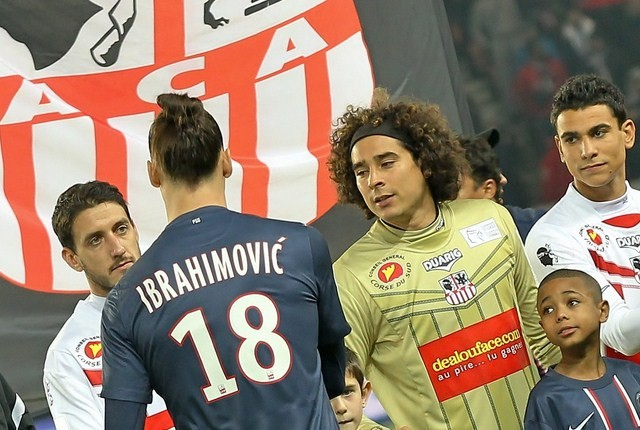 Guillermo Ochoa (R) and Zlatan Ibrahimovic