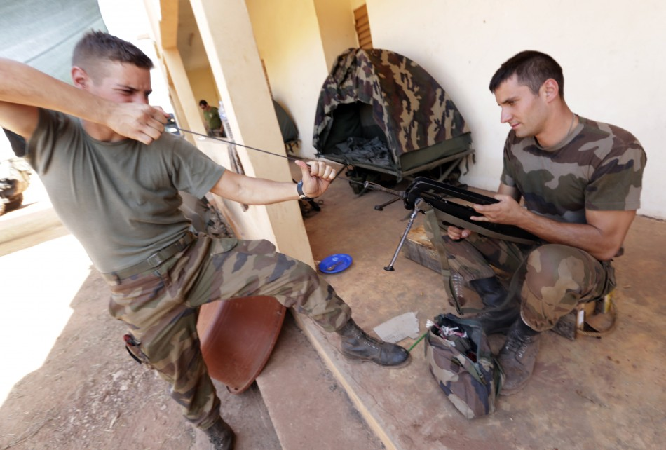 French soldiers prepare in Mali