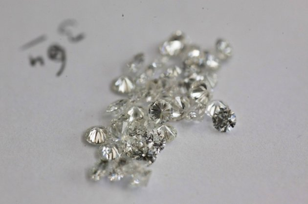 An increasing number of Indians prefer diamonds to gold.