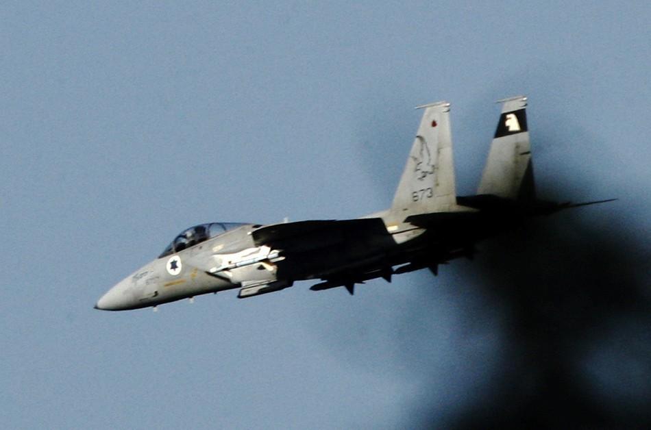 Israeli Jets Target Lebanon Convoy