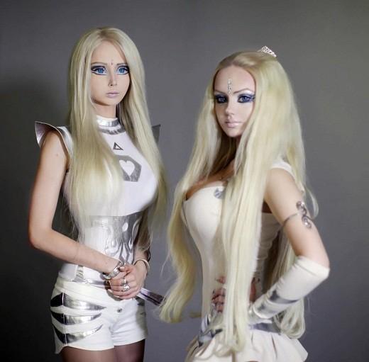 Valeria Lukyanova in alien-like costume