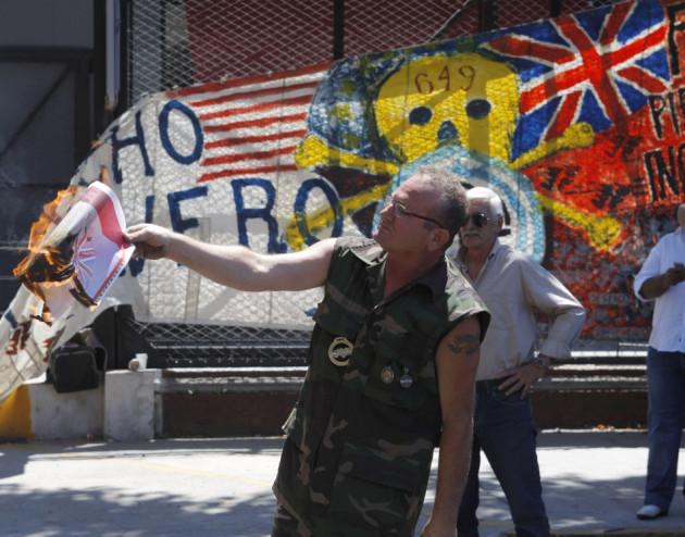 Argentina demands control of Falklands