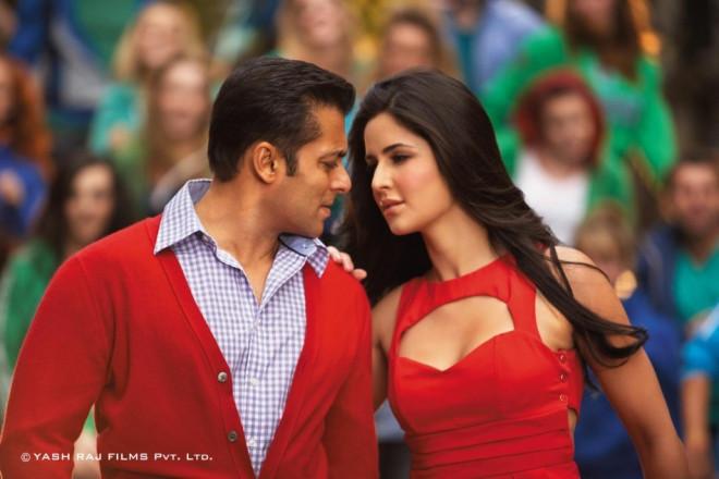 Salman Khan (L) and Katrina Kaif