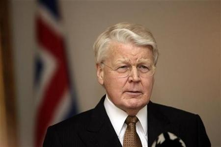 Iceland's President Grimsson speaks to media in Reykjavik
