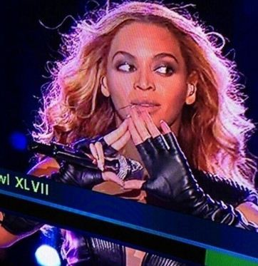 BEYONCE FLASHED THE ILLUMINATI SYMBOL AND THEN THE POWER WENT OUT I CANT BRETAHENharryzonaicetea