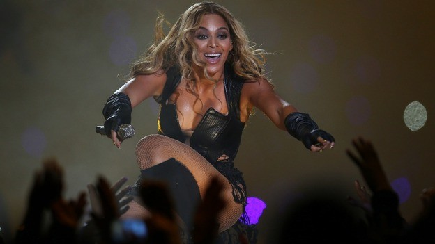 Super Bowl 2013 Beyonce S Halftime Show Compared To