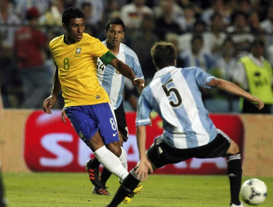 Paulinho (L)