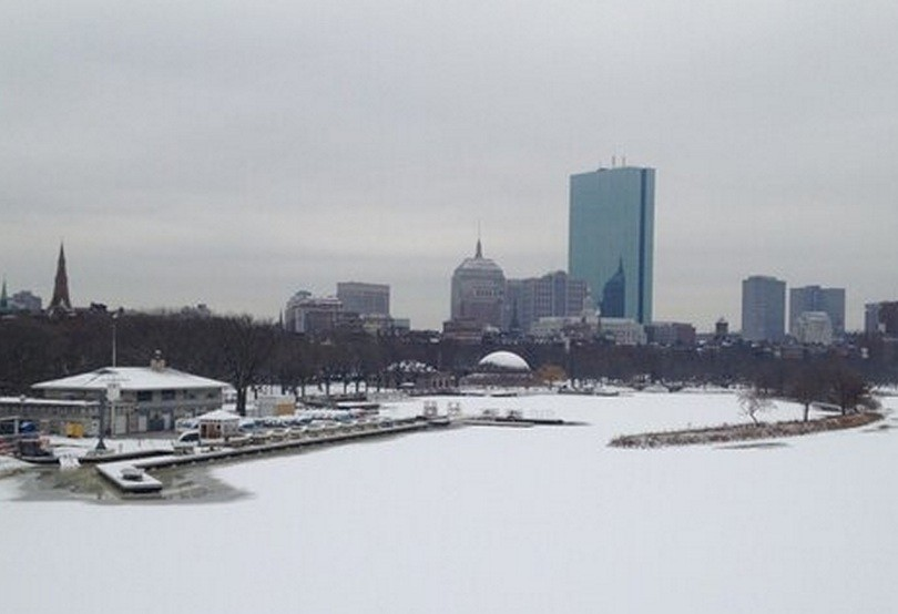 Boston under snow bracing itself for Nemo PIC: @AnishKattukaran
