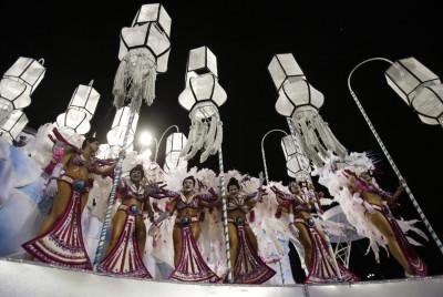 Rio Carnival 2013  Brazilian beauties Floats