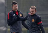 van Persie and Rooney train