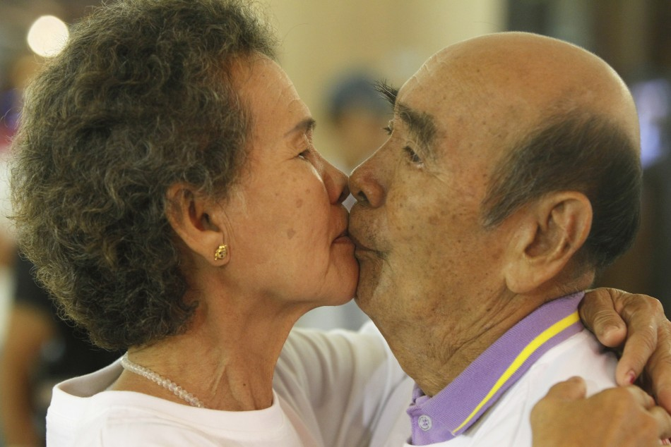 Guinness world record for the longest kiss